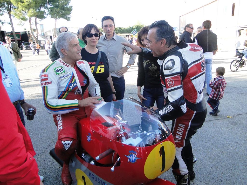 Eric Saul e Giacomo Agostini em evento do ICGP em 2015. (ICGP Racing)