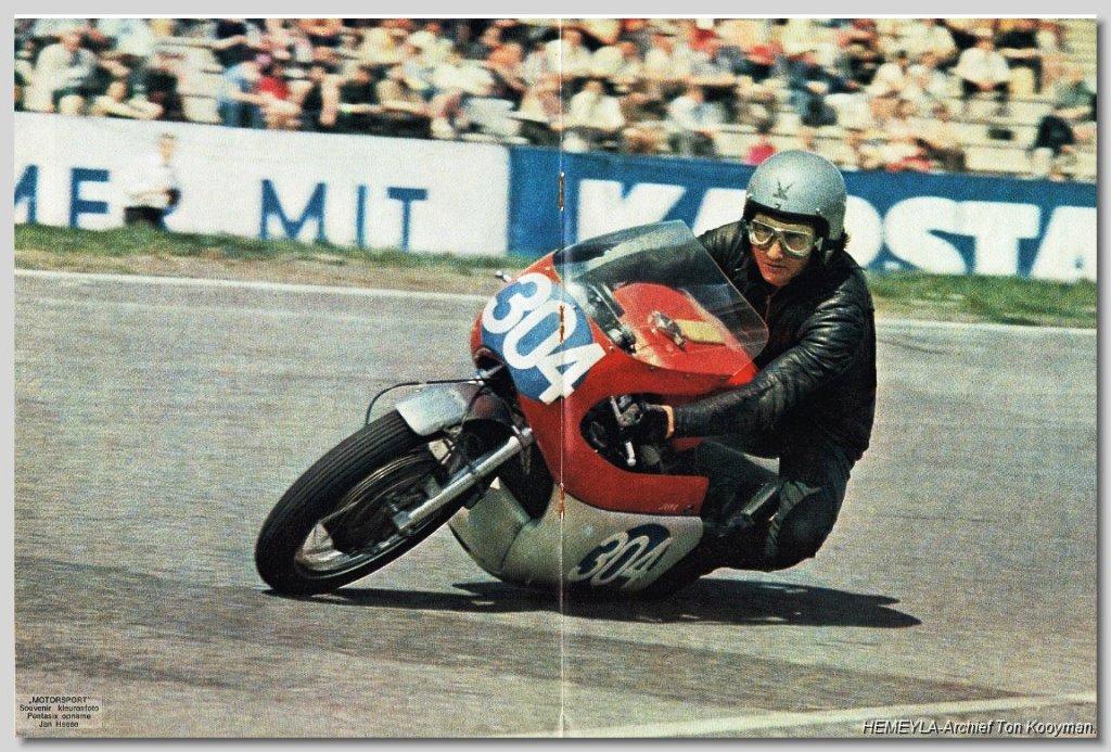 Bill Ivy e sua Jawa 350 V4 em Hockenheim, em 1969. (reprodução)