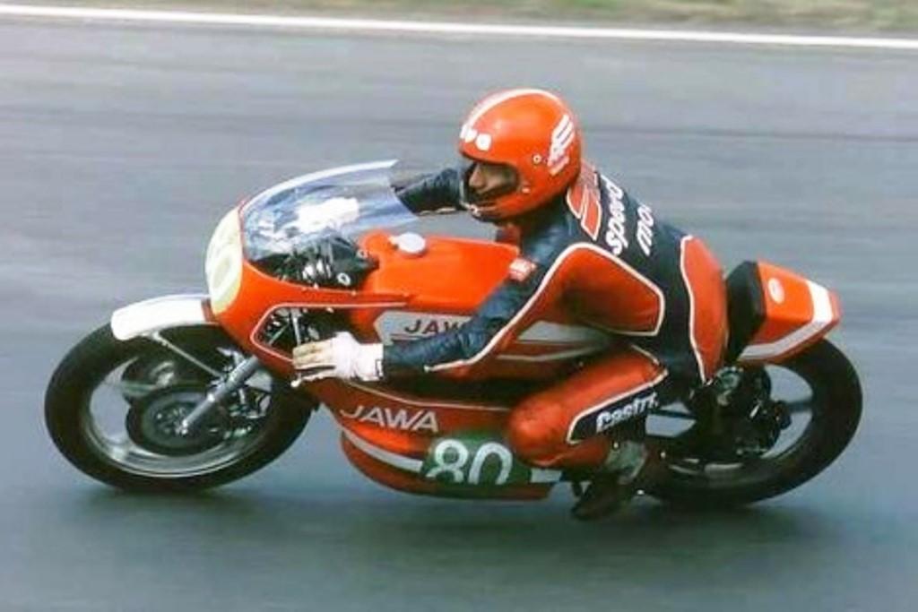 Peter Balaz (aqui, em foto da década de 1970) correrá com uma Jawa 250. (reprodução)