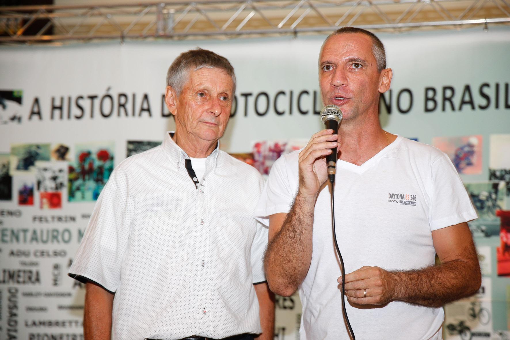 Sarachú e carlãozinho em noite de Daytona 83 346. Foto: Haroldo Nogueira / Motostory