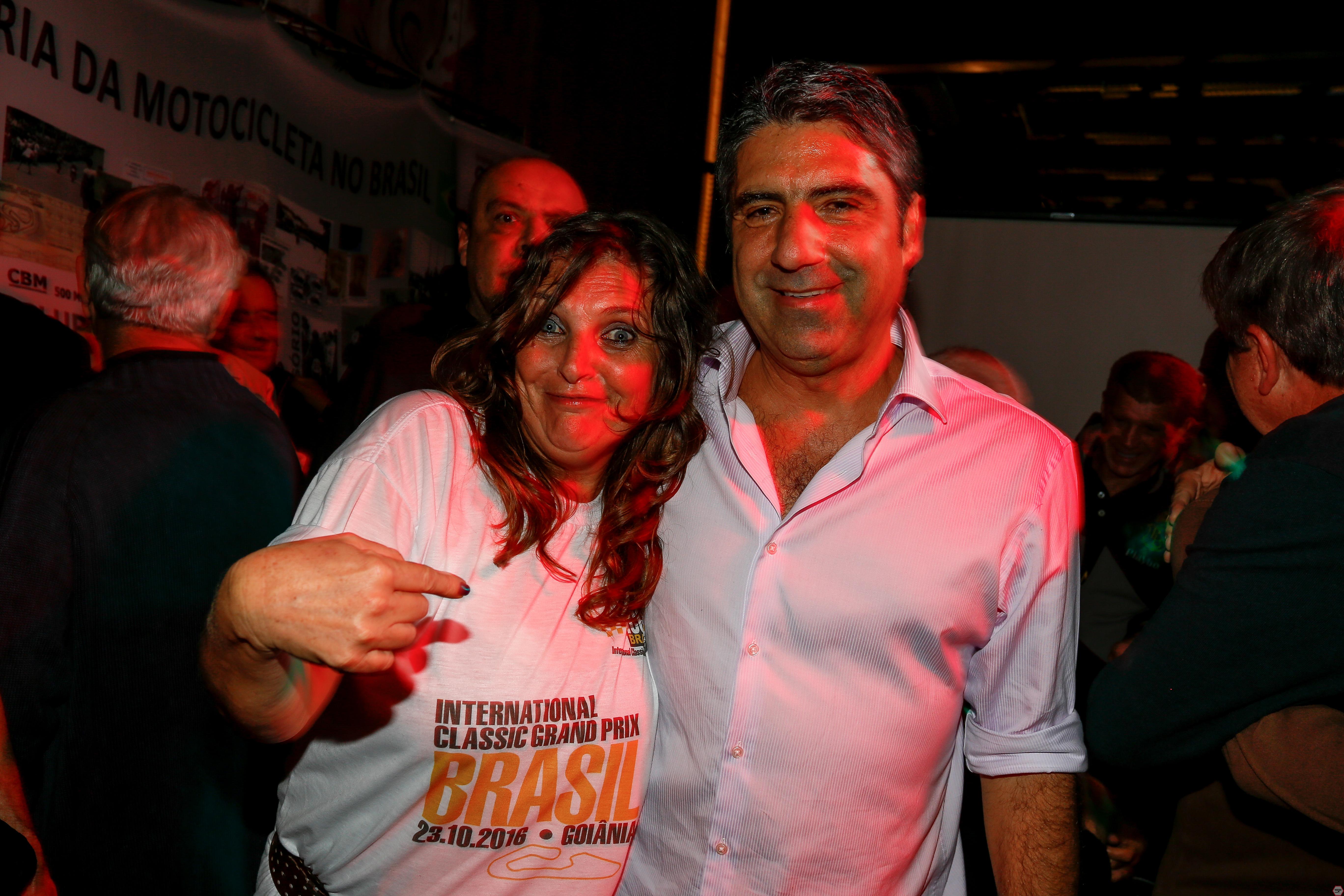 Maria Celeste Sarachú e Antonio Jorge Neto (Netinho) e noite de TZudos. Foto: Sampafotos